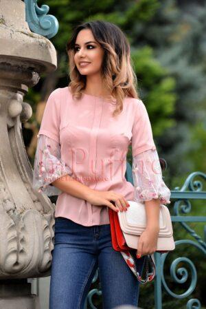 Bluza din voal roz cu aplicatii 3D pe manecaBLUZE