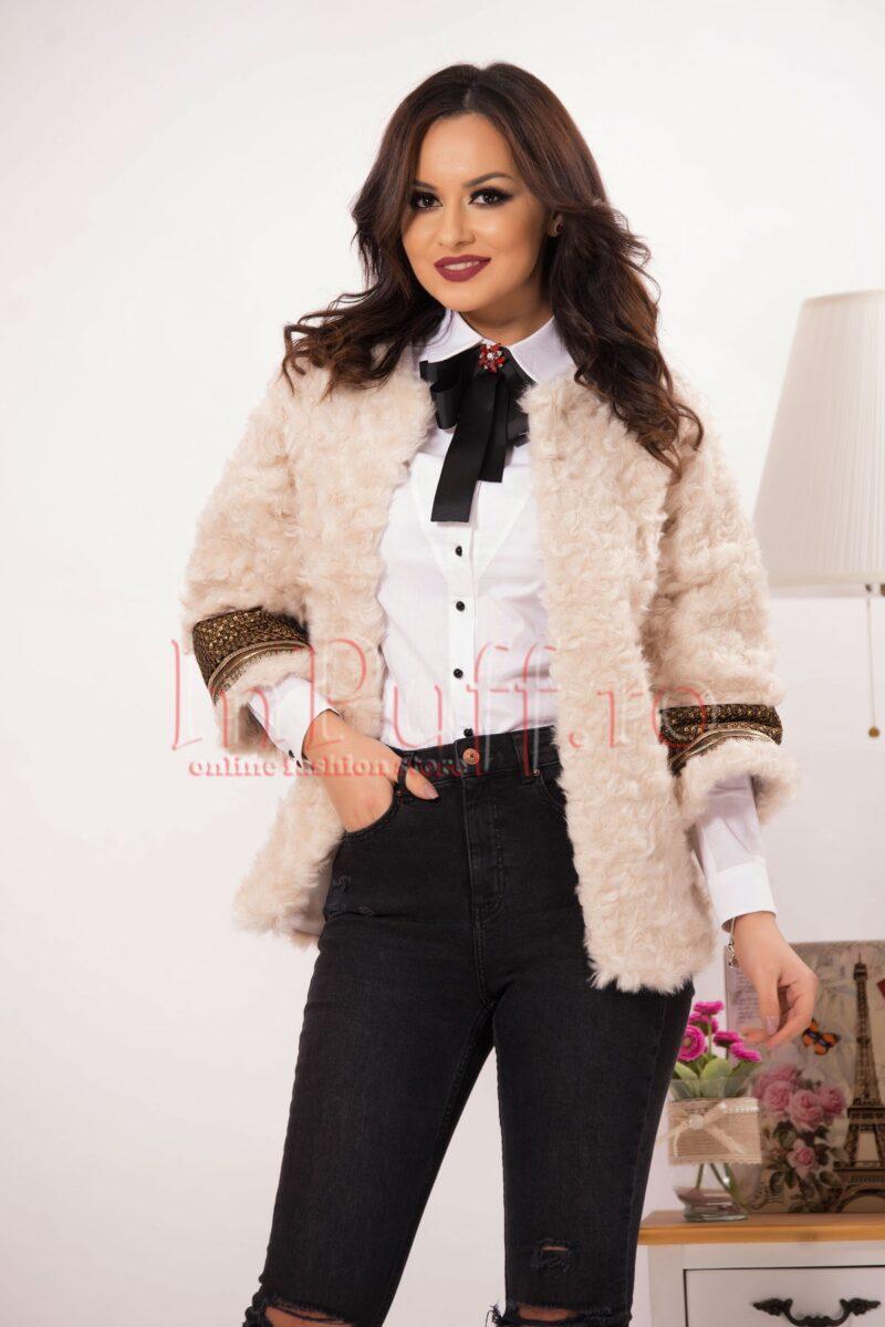 Jacheta eleganta din blanita crem si paiete auriiPALTOANE si GECI