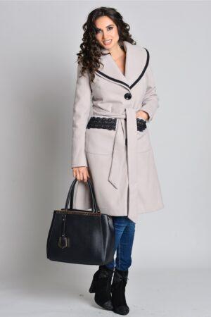 Palton elegant bej Aura Carina cu broderiePaltoane