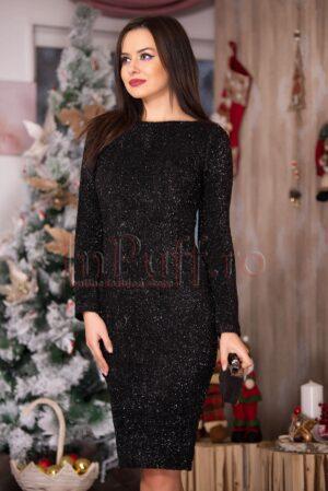 Rochie eleganta neagra cu fir lucios argintiuROCHII
