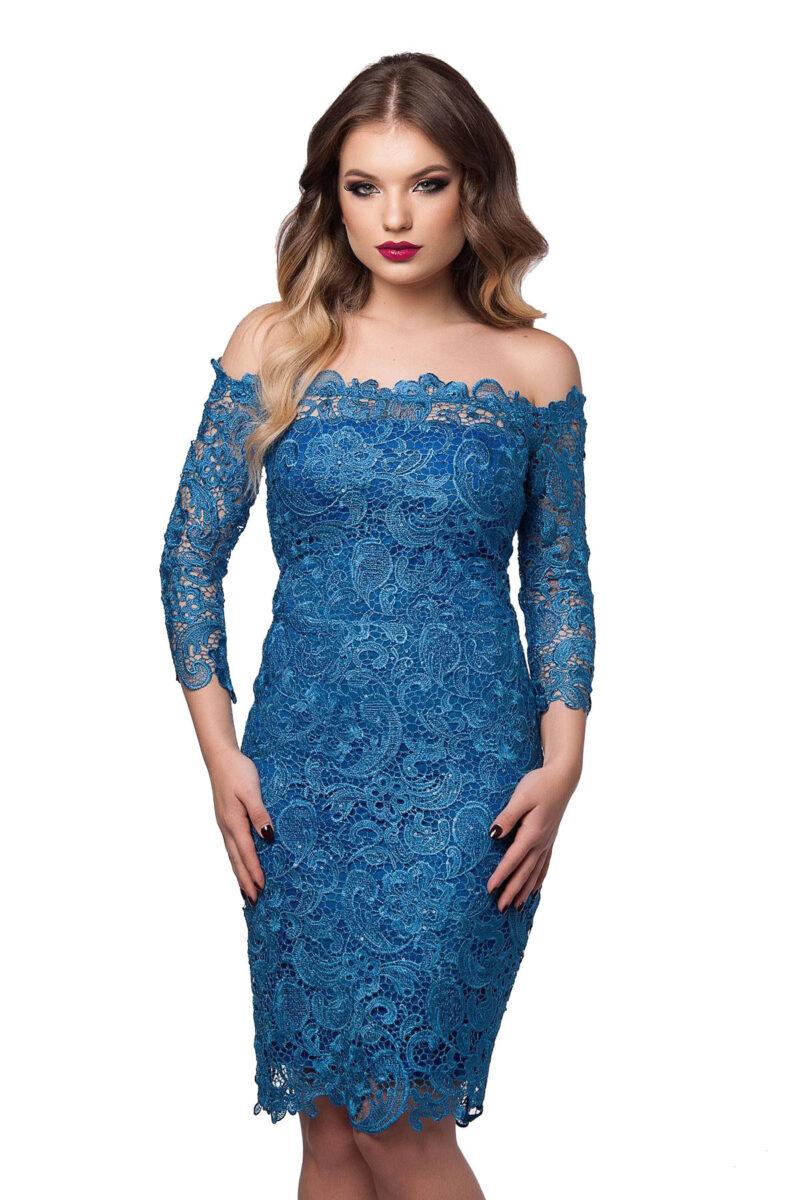 rochie de seara din dantela brodata pe umeri albastru imperial zaira 3
