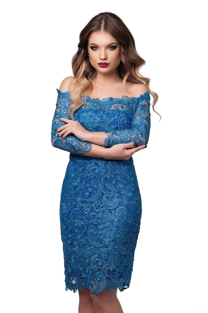 rochie de seara din dantela brodata pe umeri albastru imperial zaira 4