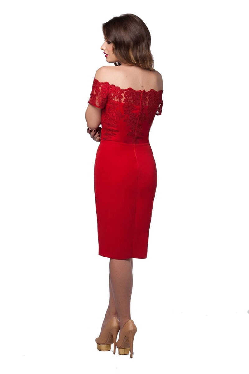 rochie de seara rosie cu umerii goi bust dantela pretioasa fusta triplu voal kristie 5