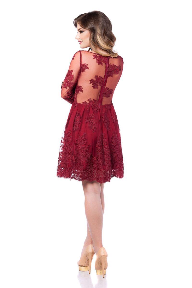rochie de seara scurta din dantela pretioasa bordo cu aplicatii florale la gat viviane 5
