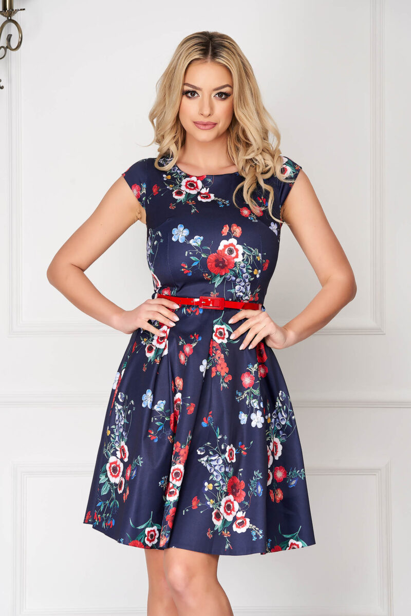 Rochie  albastru-inchis scurta in clos cu maneci scurte cu accesoriu tip curea