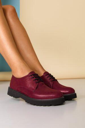 Pantofi  bordo sidefat cu sireturi