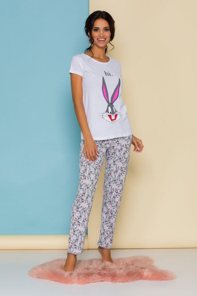 Pijama  cu bluza alba si pantaloni gri cu imprimeuri
