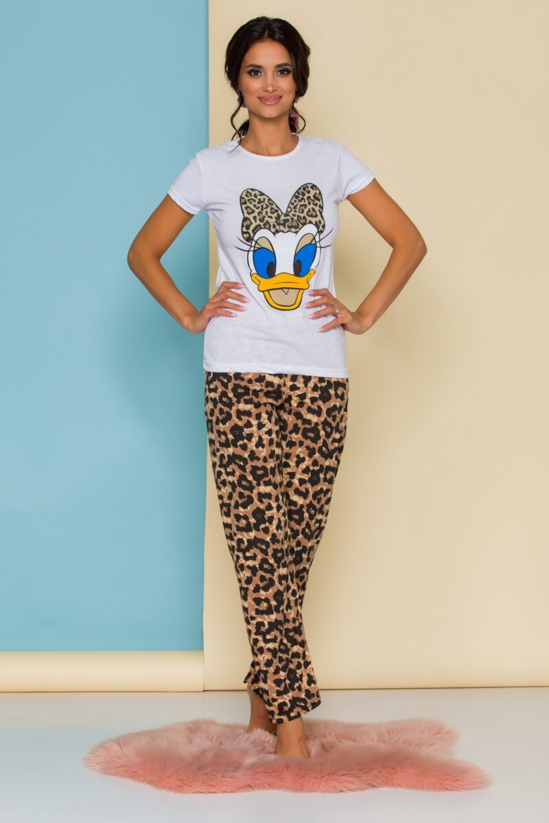 Pijama  cu tricou alb si pantaloni cu animal print