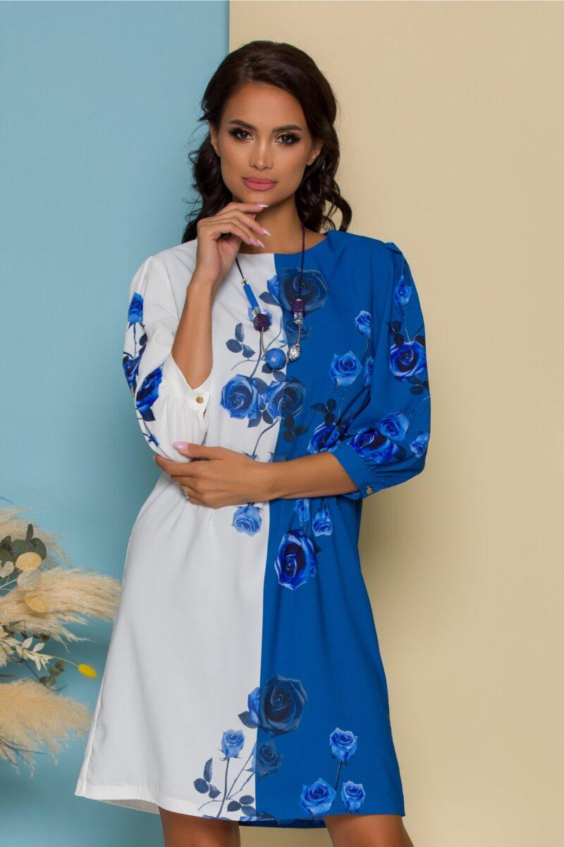 Rochie alb si bleu cu trandafiri imprimati