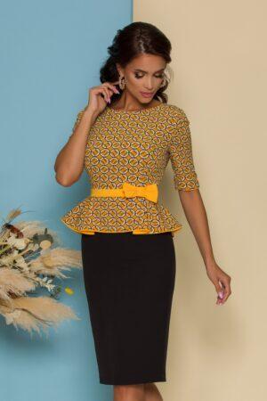 Rochie  cu bustul galben imprimat si peplum in talie