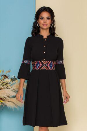 Rochie  neagra cu bustul tip camasa si insertii din broderie florala