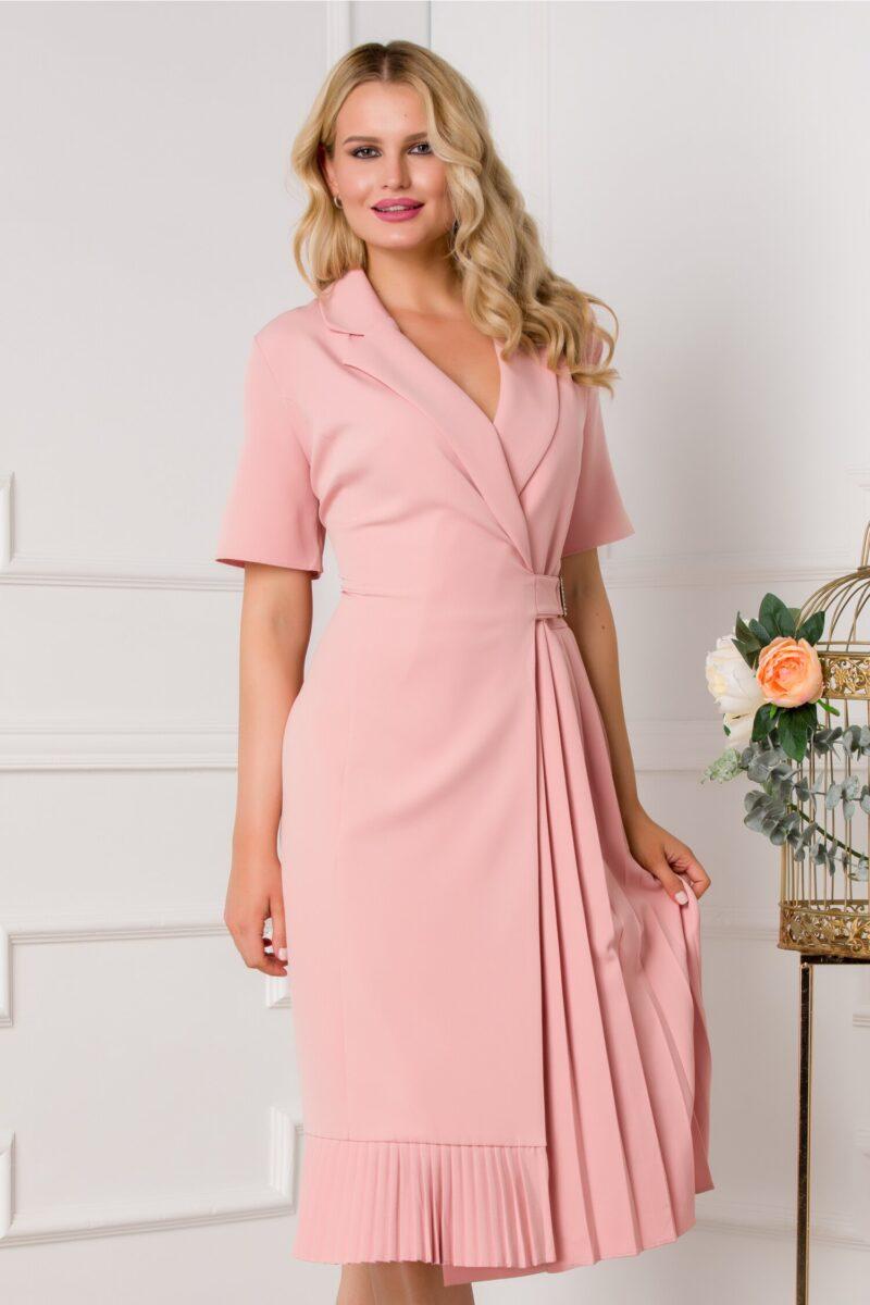 Rochie roz petrecuta cu pliuri pe o parte si maneci scurte