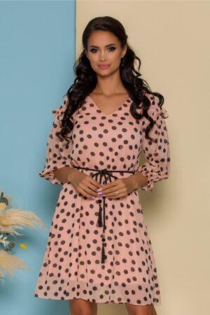 Rochie roz pudrat din voal imprimat cu buline negre