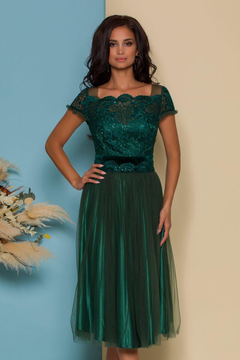 Rochie verde cu broderie si paiete la bust