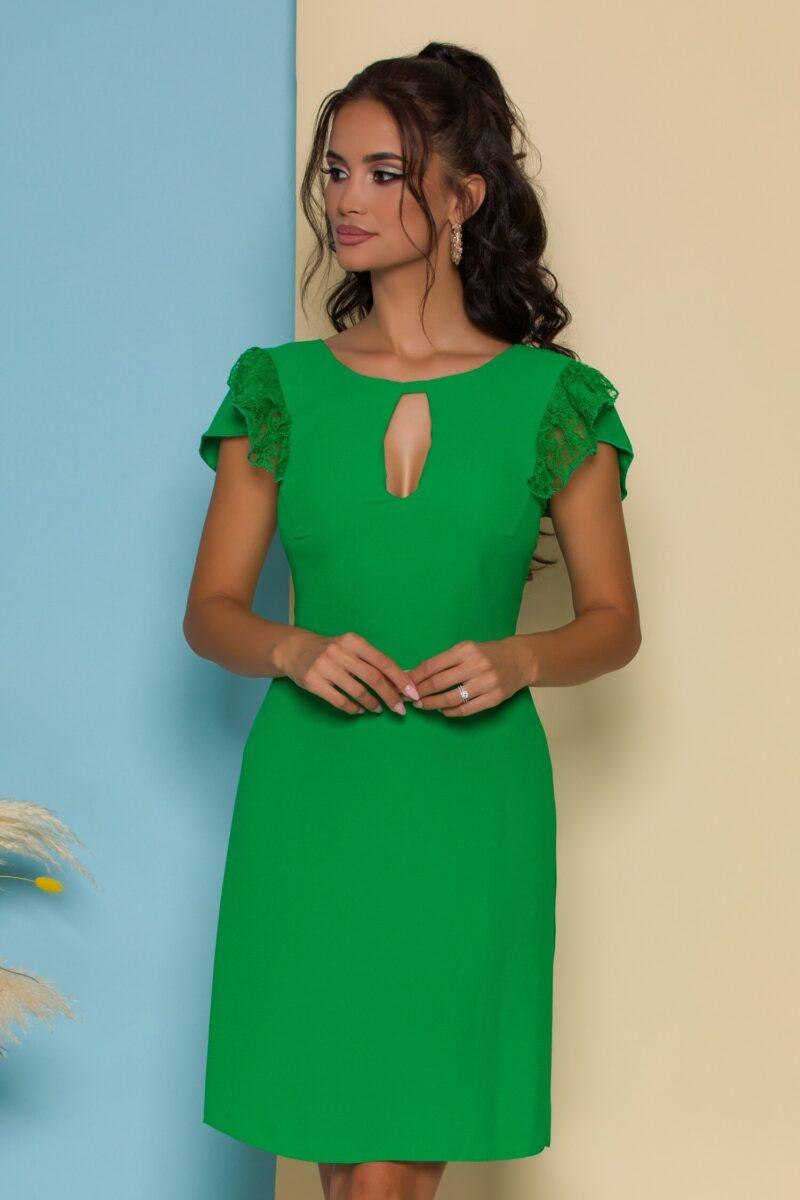Rochie verde cu volane din dantela la maneci